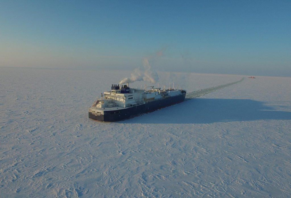 Tanker trotseert Arctische winter